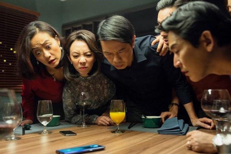 """Những mối quan hệ đổ vỡ sau khi những sự thật bị """"lột trần"""" bởi chiếc điện thoại. Ảnh: NSX."""