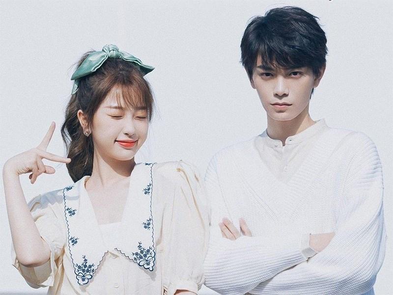 Ngu Thư Hân và Đinh Vũ Hề là hai diễn viên đảm nhận vai chính trong phim