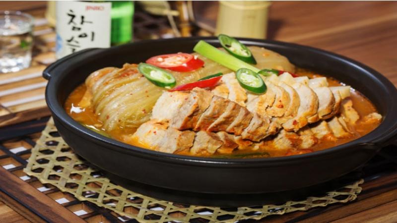 Thức ăn ở quán được chế biến chuẩn vị Hàn