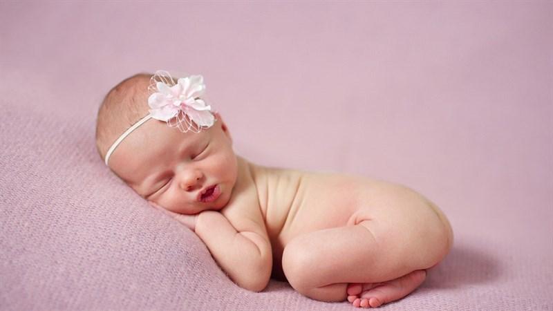 Hình nền em bé dễ thương cho máy tính 4 (Kích thước: 1920 x 1080)