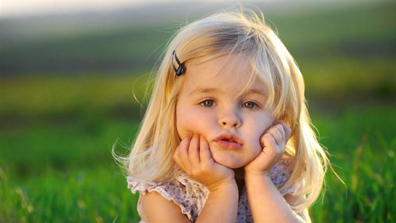 Hình bé gái dễ thương 3 (Kích thước: 1920 x 1080)