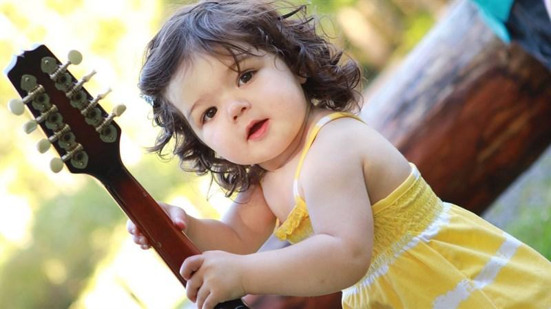 Hình bé gái dễ thương 11 (Kích thước: 1920 x 1080)