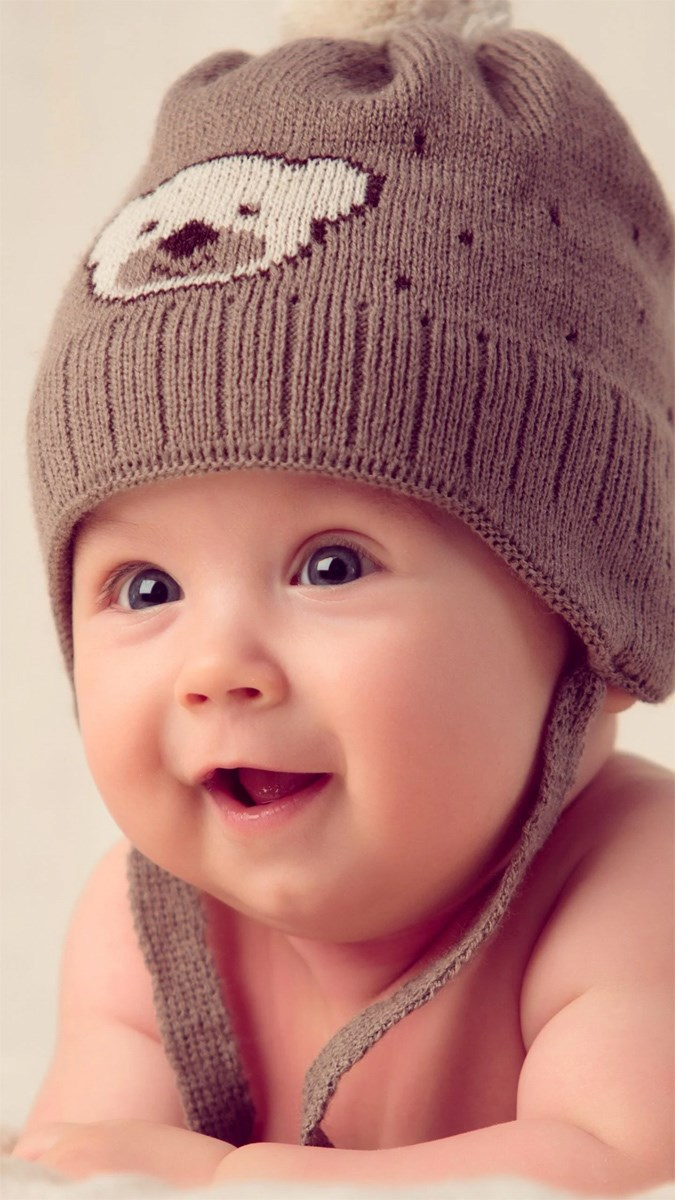 Hình nền em bé dễ thương cho điện thoại 1 (Kích thước: 1080 x 1920)