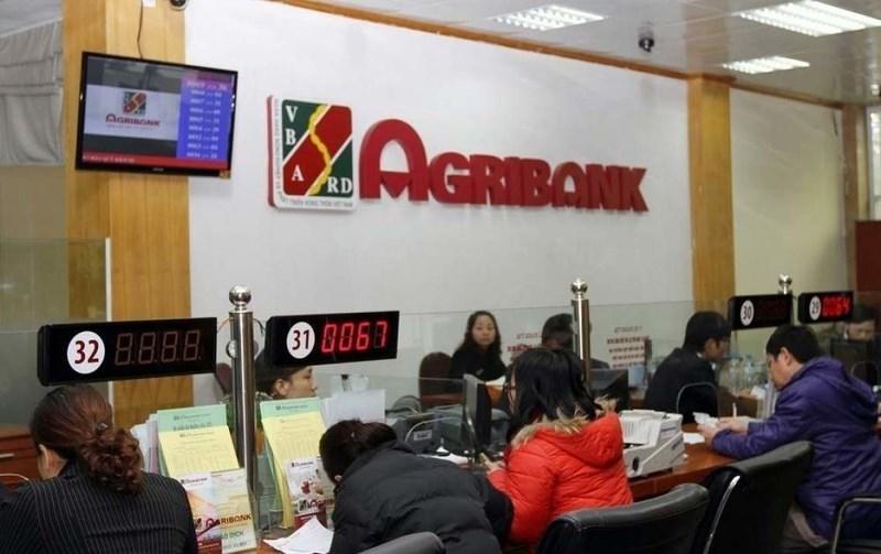 Mang CMND đến phòng giao dịch Agribank gần nhất