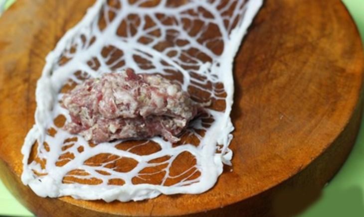 Bước 2 Cuốn thịt bò và nướng Bò nướng mỡ chài