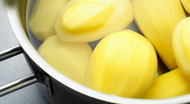 Bước 1 Sơ chế nguyên liệu Súp khoai tây