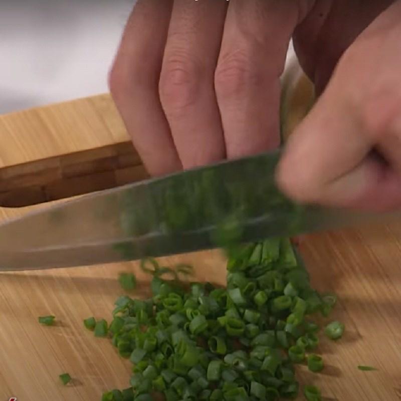 Bước 3 Làm mỡ hành ốc móng tay nướng chanh sả