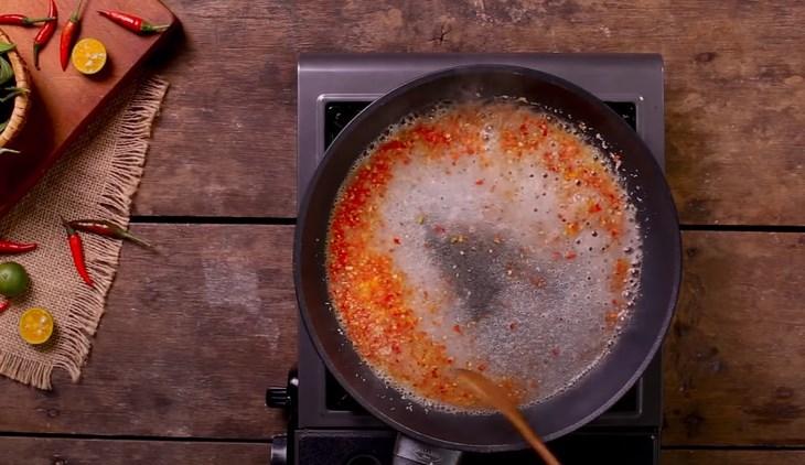 Bước 3 Làm muối ớt Ốc hương rang muối