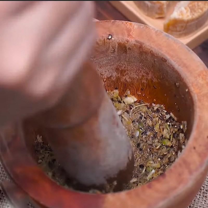 Bước 1 Làm sốt ướp thịt Thịt xiên nướng phô mai kiểu Thái
