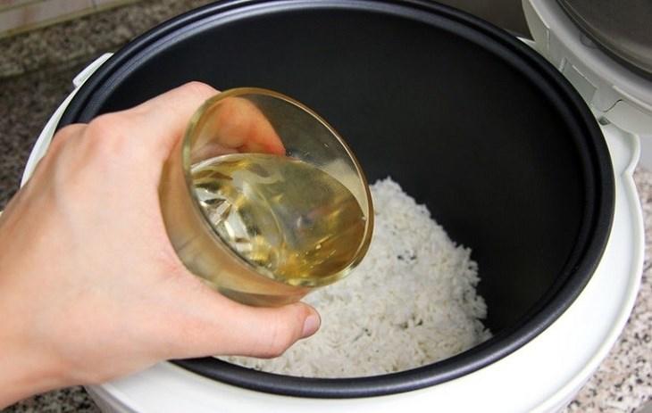 Bước 1 Nấu cháo Cháo trứng gà tía tô