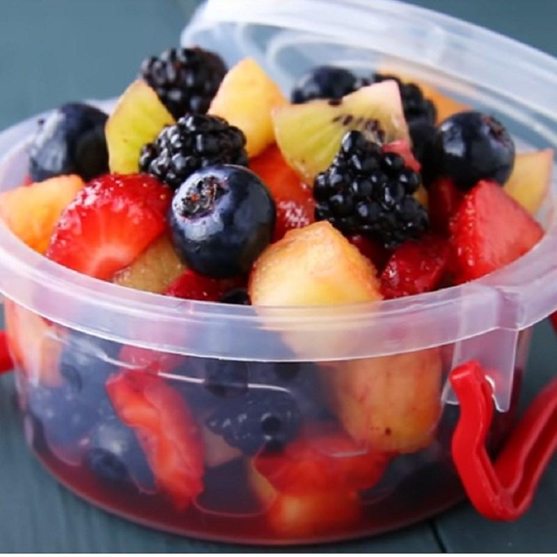 Bước 3 Thành phẩm Salad hoa quả họ Berry sốt chanh