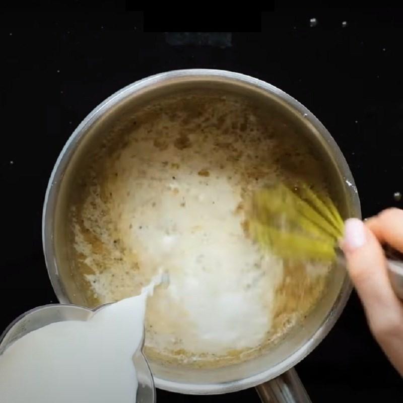 Bước 3 Thêm sữa tươi Khoai tây nướng phô mai kiểu Pháp - Potatoes gratin