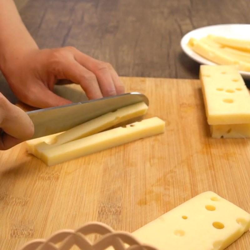 Bước 1 Sơ chế nguyên liệu Thịt heo cuộn phô mai sốt nho