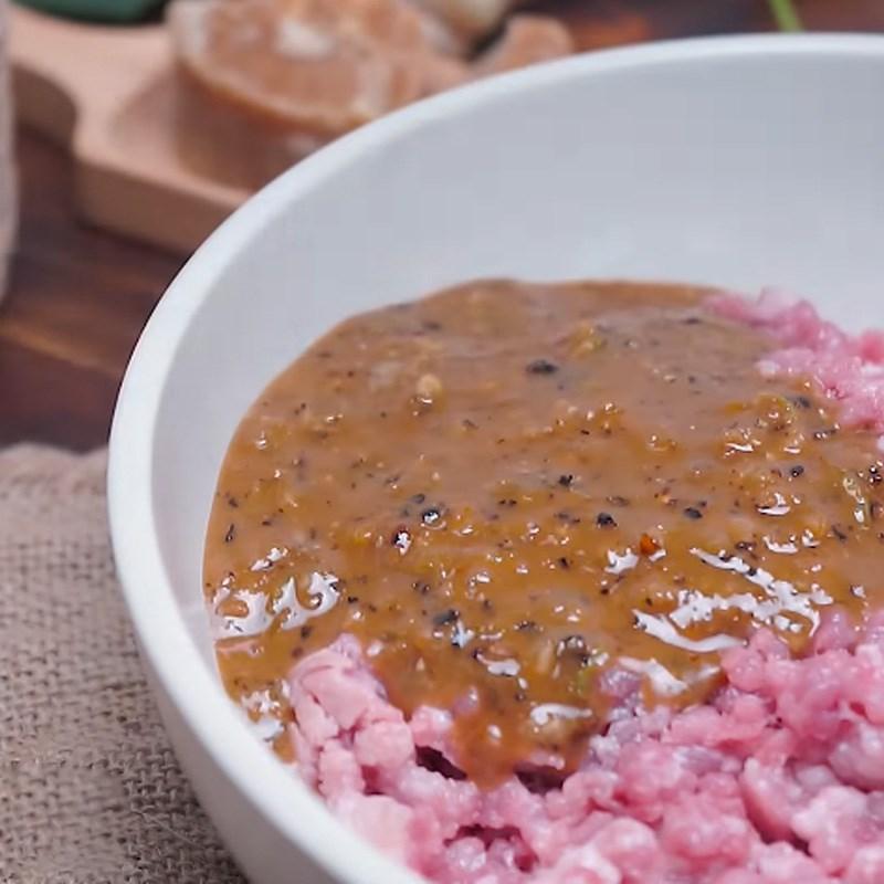 Bước 2 Ướp và trộn thịt Thịt xiên nướng phô mai kiểu Thái