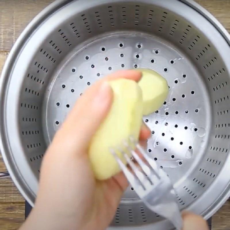 Bước 3 Hấp khoai tây Gà nướng cay 7 cấp độ