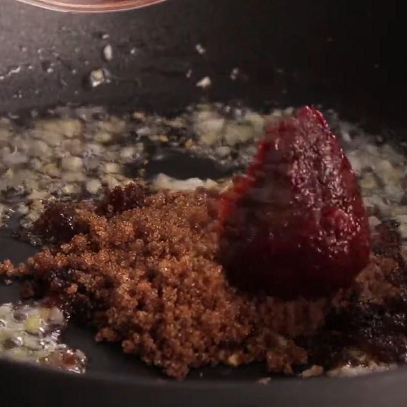 Bước 2 Nấu sốt BBQ Tôm càng xanh nướng phô mai sốt BBQ