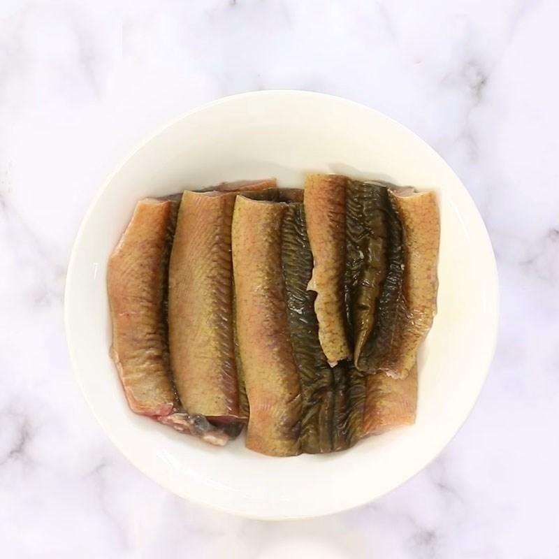 Bước 1 Sơ chế lươn sạch nhớt Cơm lươn Nhật Bản nướng sốt teriyaki