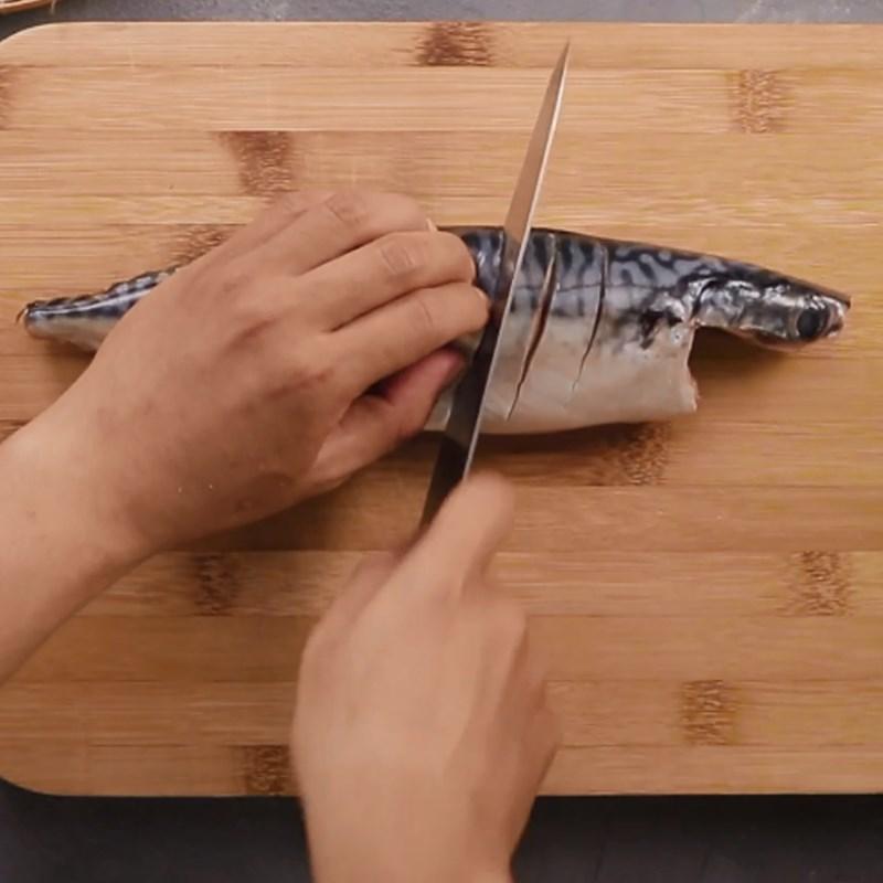 Bước 1 Sơ chế nguyên liệu Cá Basa nướng sả ớt