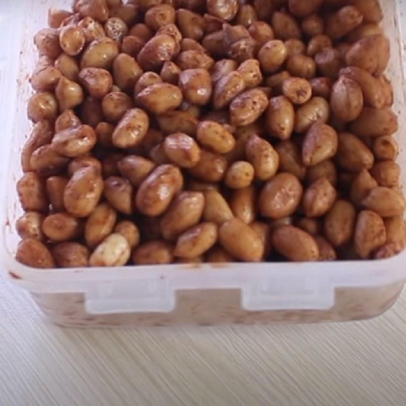 Bước 3 Trộn đậu phộng với ngũ vị hương Đậu phộng nướng ngũ vị hương