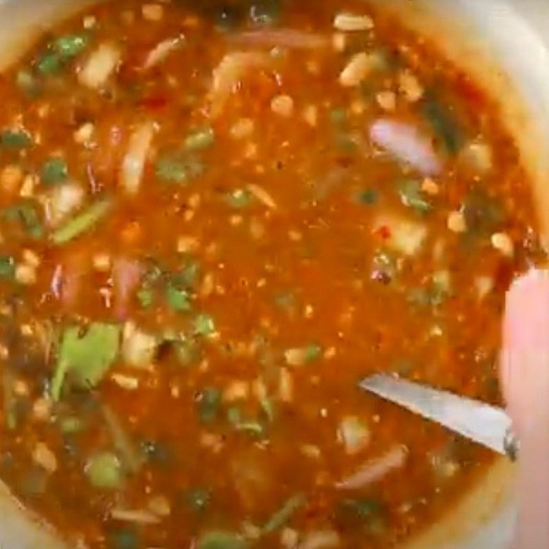 Bước 3 Làm nước chấm Thịt nướng kiểu Thái