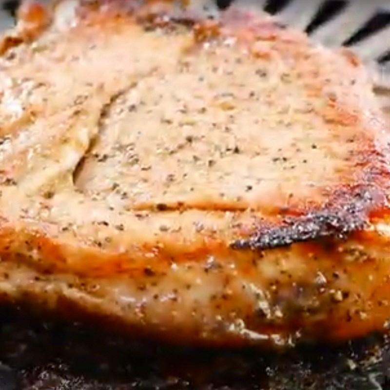 Bước 4 Nướng thịt Thịt nướng kiểu Thái
