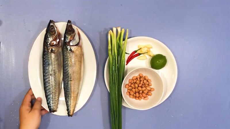 Nguyên liệu món ăn cá saba nướng giấy bạc mỡ hành