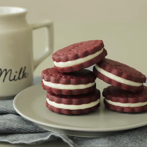 Bánh cookie Red Velvet oreo