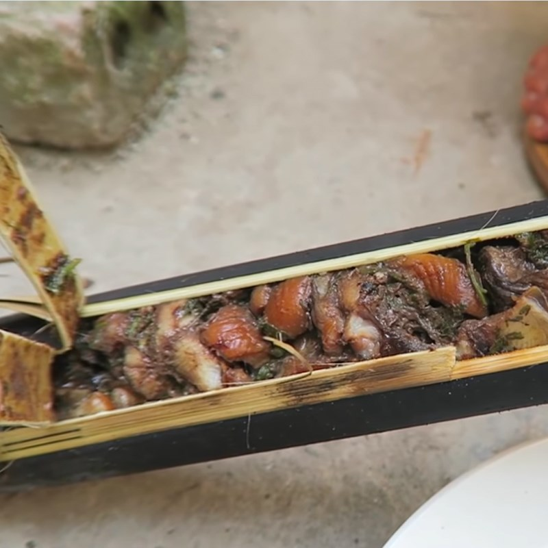 Bước 4 Nướng lươn Lươn nướng ống tre và lá chuối
