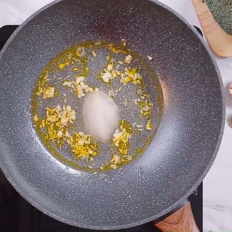 Bước 3 Làm sốt chanh Cá hồi nướng sốt bơ chanh
