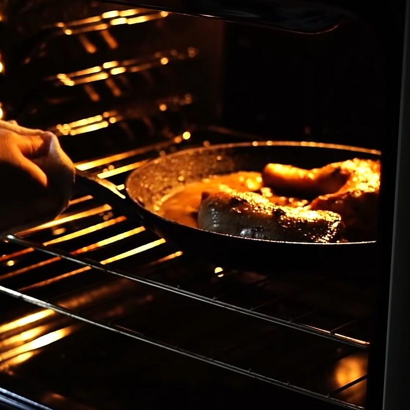 Bước 5 Đút lò gà Gà đút lò sốt bơ