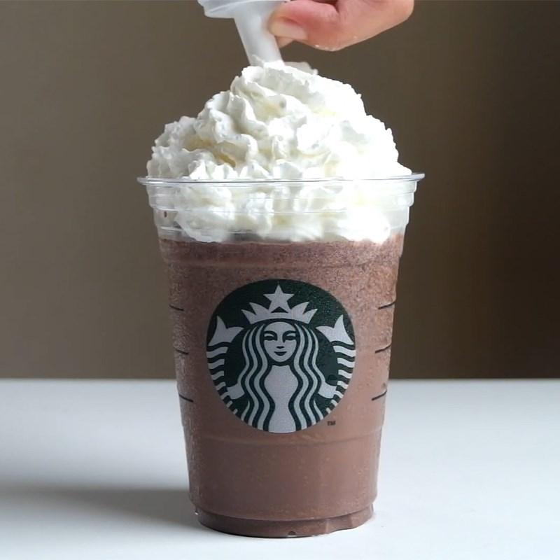Bước 2 Hoàn thành Oreo Frappuccino