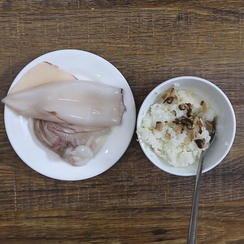 Bước 3 Nhồi nhân Mực nhồi cơm nướng