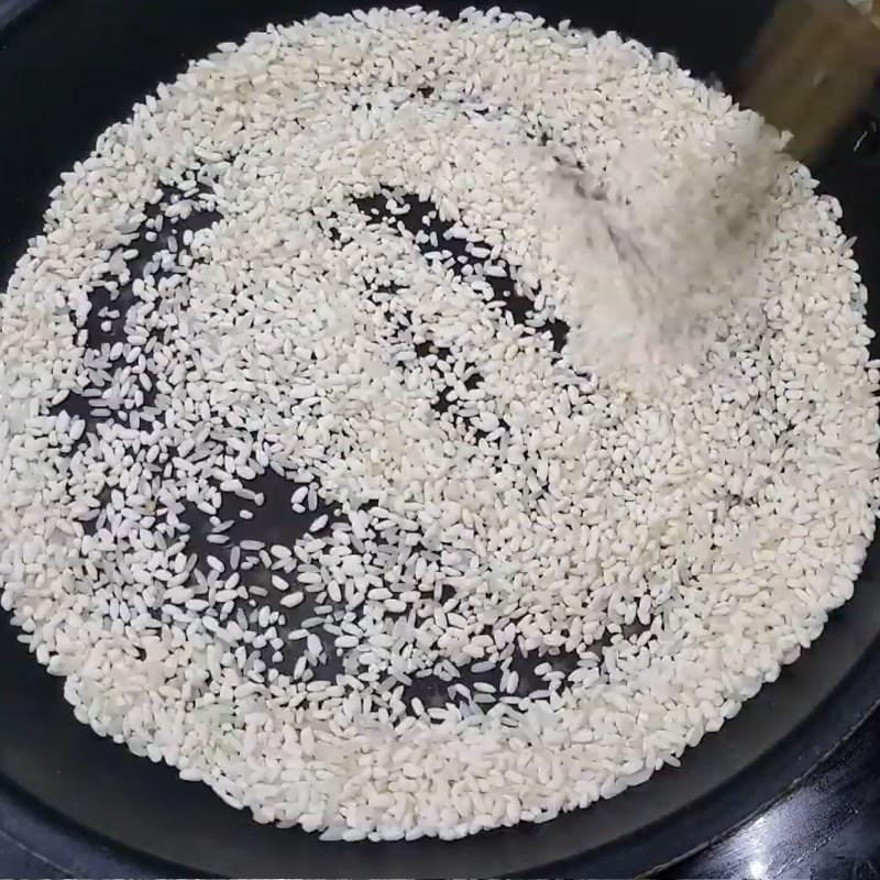 Bước 3 Rang gạo Lẩu cháo gà gạo rang