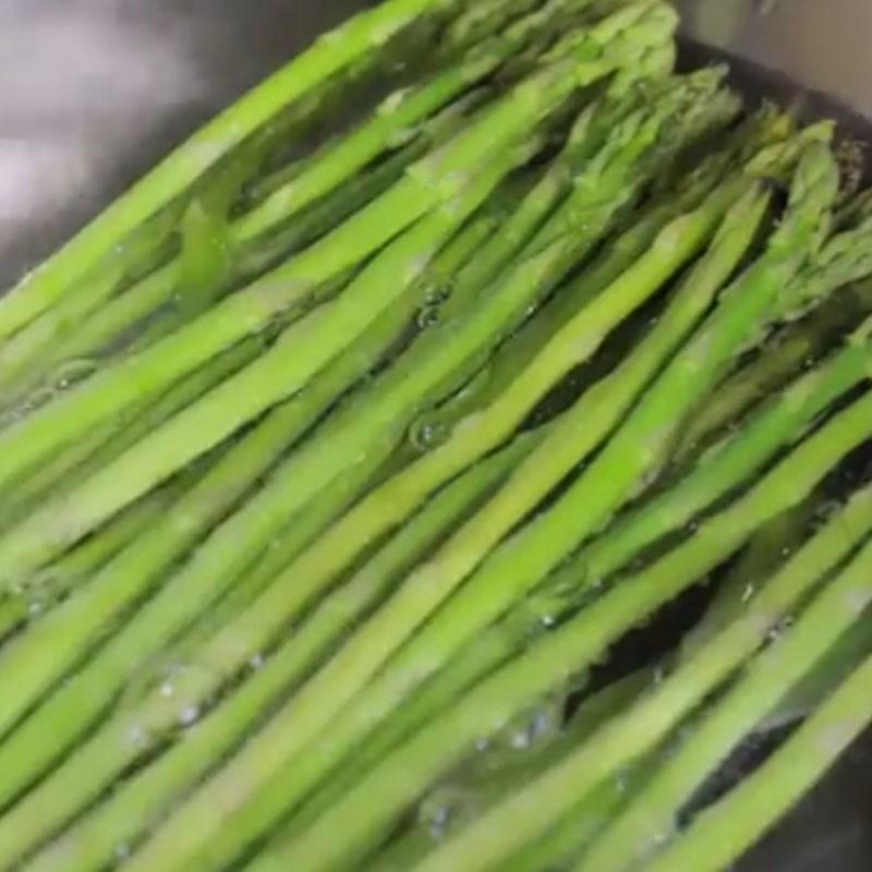 Bước 1 Sơ chế măng tây Măng tây nướng tỏi