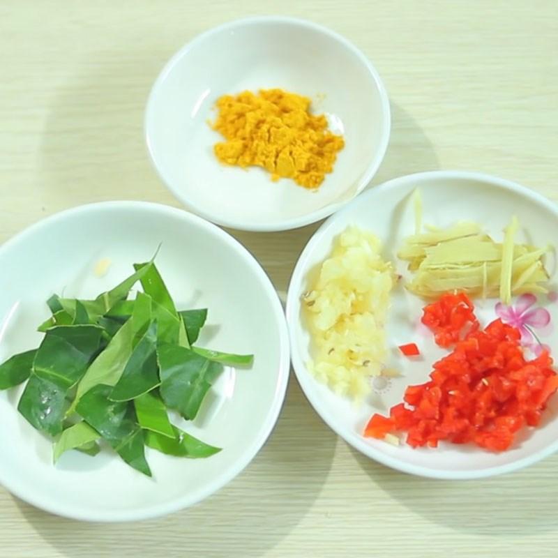 Bước 1 Sơ chế nguyên liệu Thịt ốc bươu xào sả ớt