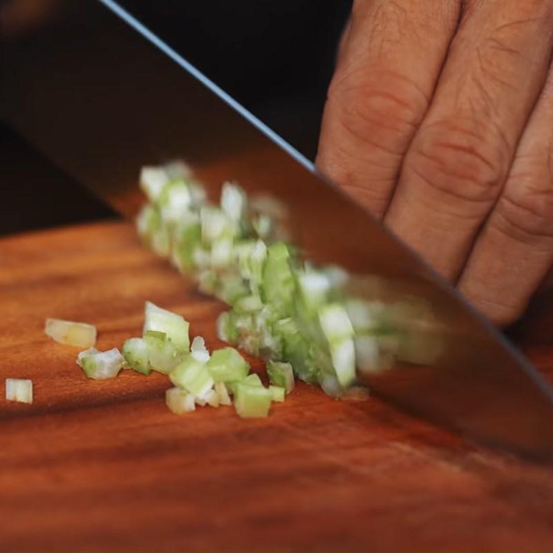 Bước 2 Sơ chế nguyên liệu Pizza Hawai
