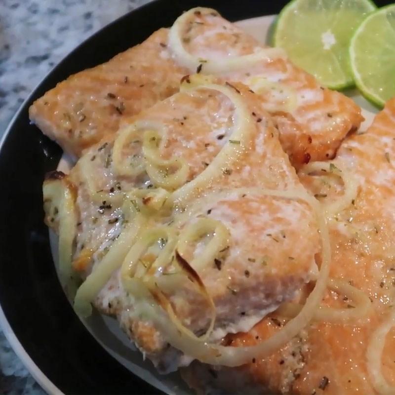 Bước 3 Thành phẩm Cá hồi nướng bơ tỏi