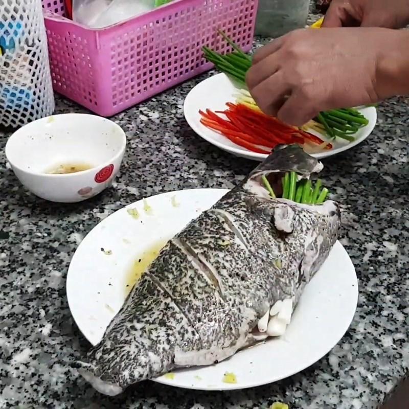 Bước 3 Ướp cá Cá mú hấp xì dầu