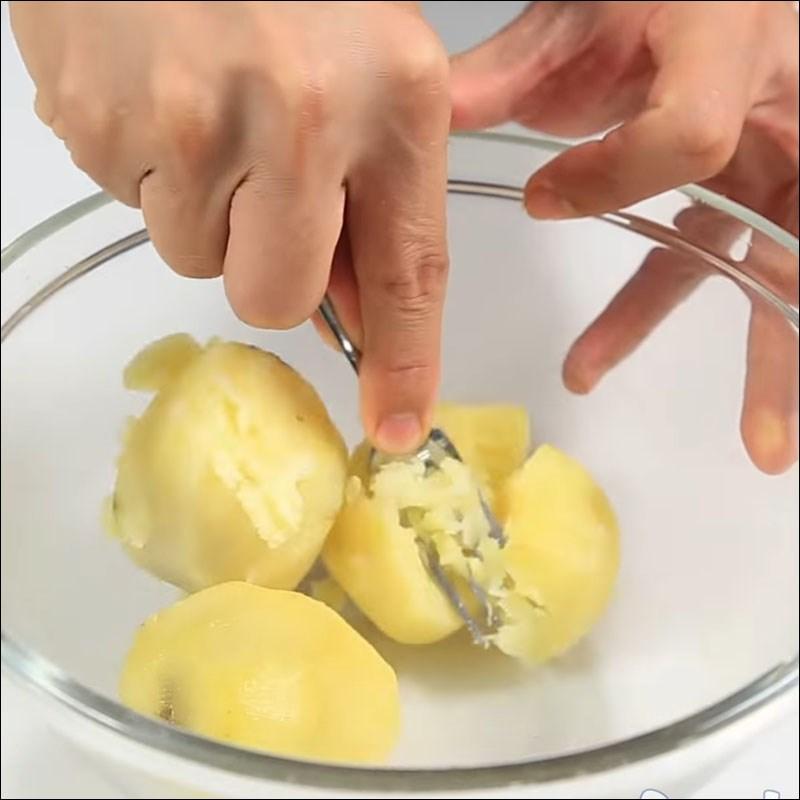 Bước 4 Xay khoai tây Khoai tây nghiền nướng sốt vang