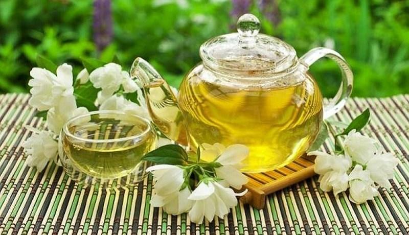 Trà hoa nhài có hương thơm nồng nàn nhất. Hoa nhài giúp giảm đau dạ dày, kích thích tiêu hóa.