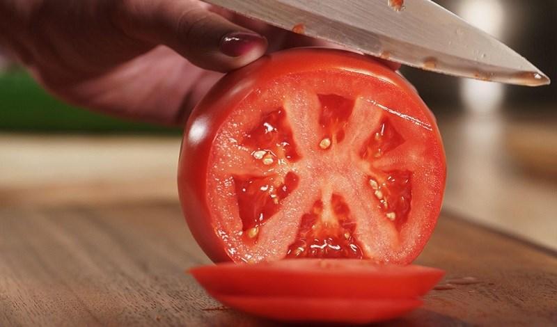 Thế nào là ăn cà chua đúng cách?
