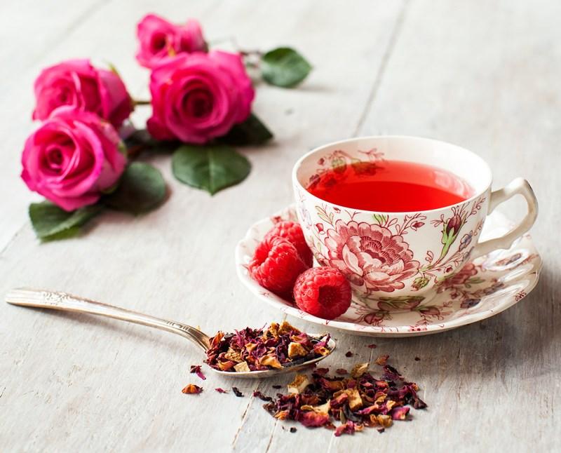 thời điểm uống trà hoa hồng hợp lý