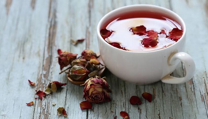 cách pha trà hoa hồng khô