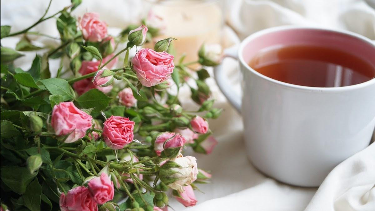 4 cách pha trà hoa hồng
