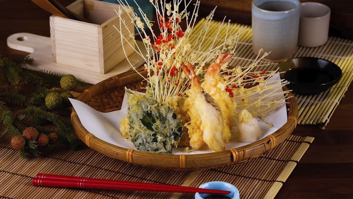 Tempura tôm rau củ hải sản