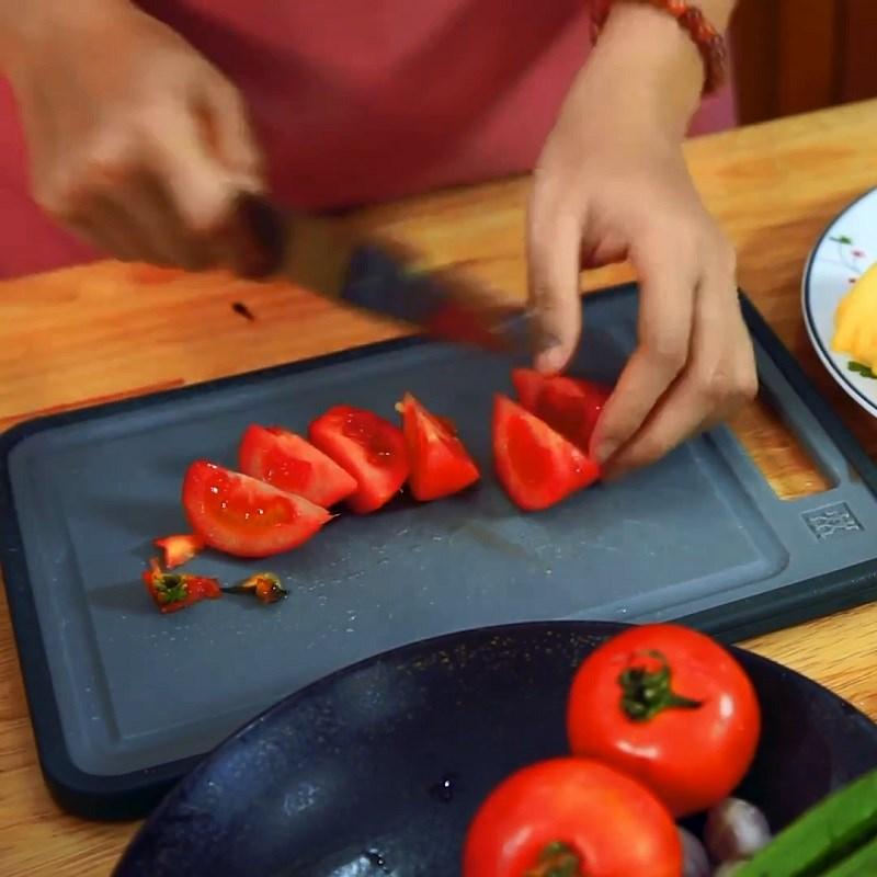 Bước 3 Sơ chế các nguyên liệu khác Canh chua cá bớp nấu dứa