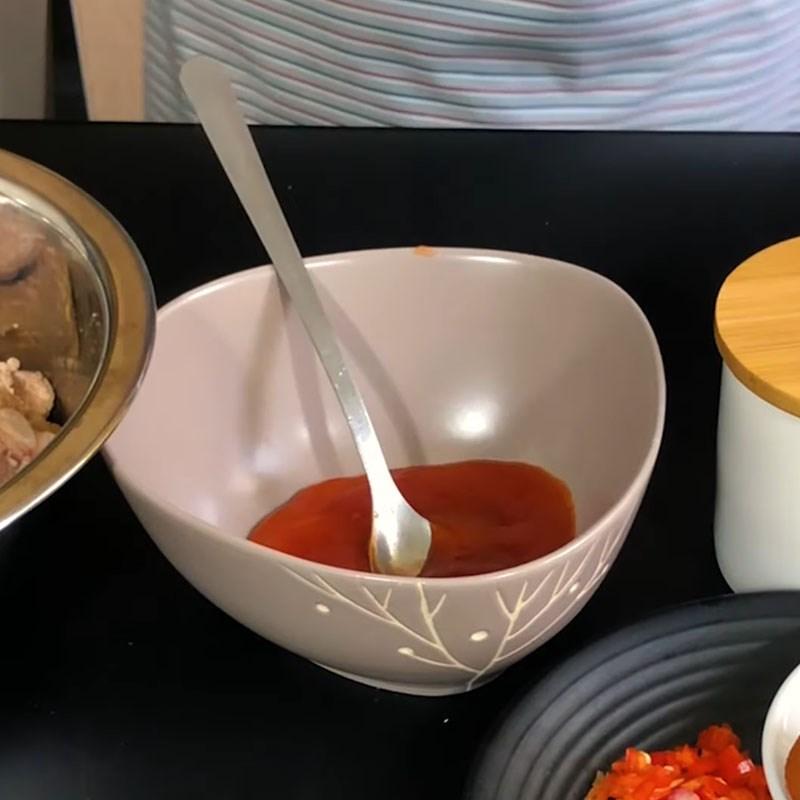 Bước 2 Pha nước sốt rim sườn Sườn rim chua ngọt