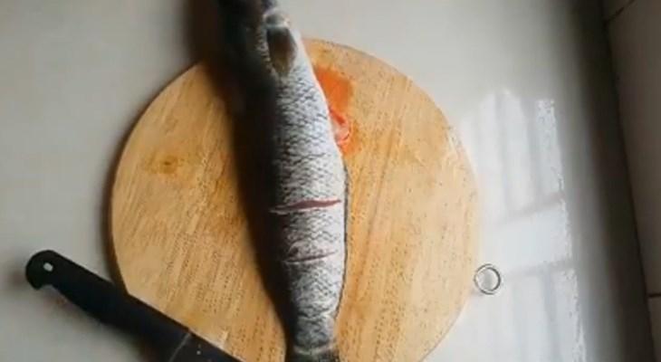 Bước 1 Sơ chế cá Cá lóc hấp hành