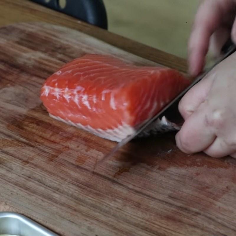 Bước 1 Sơ chế nguyên liệu Cháo cá hồi đậu hũ non