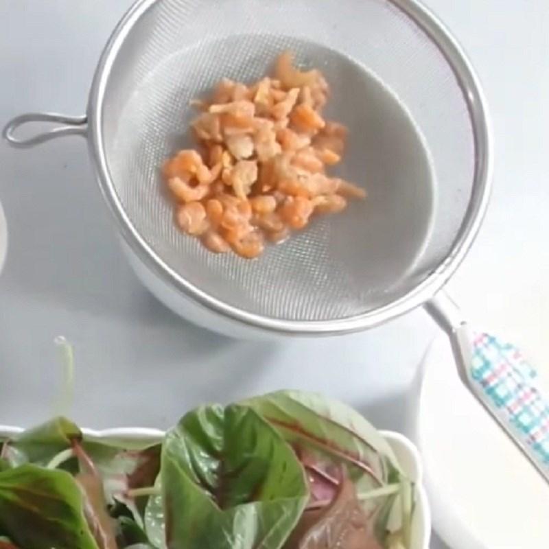 Bước 1 Sơ chế các nguyên liệu Canh rau dền tôm khô
